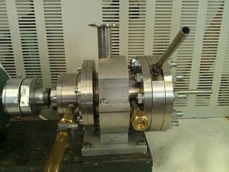 Компактный магнитный насос для прокачки жидкого металла
